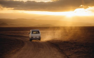 Jak najprzyzwoiciej podróżować do pracy czy na wakacje osobistym autem tak czy nie?